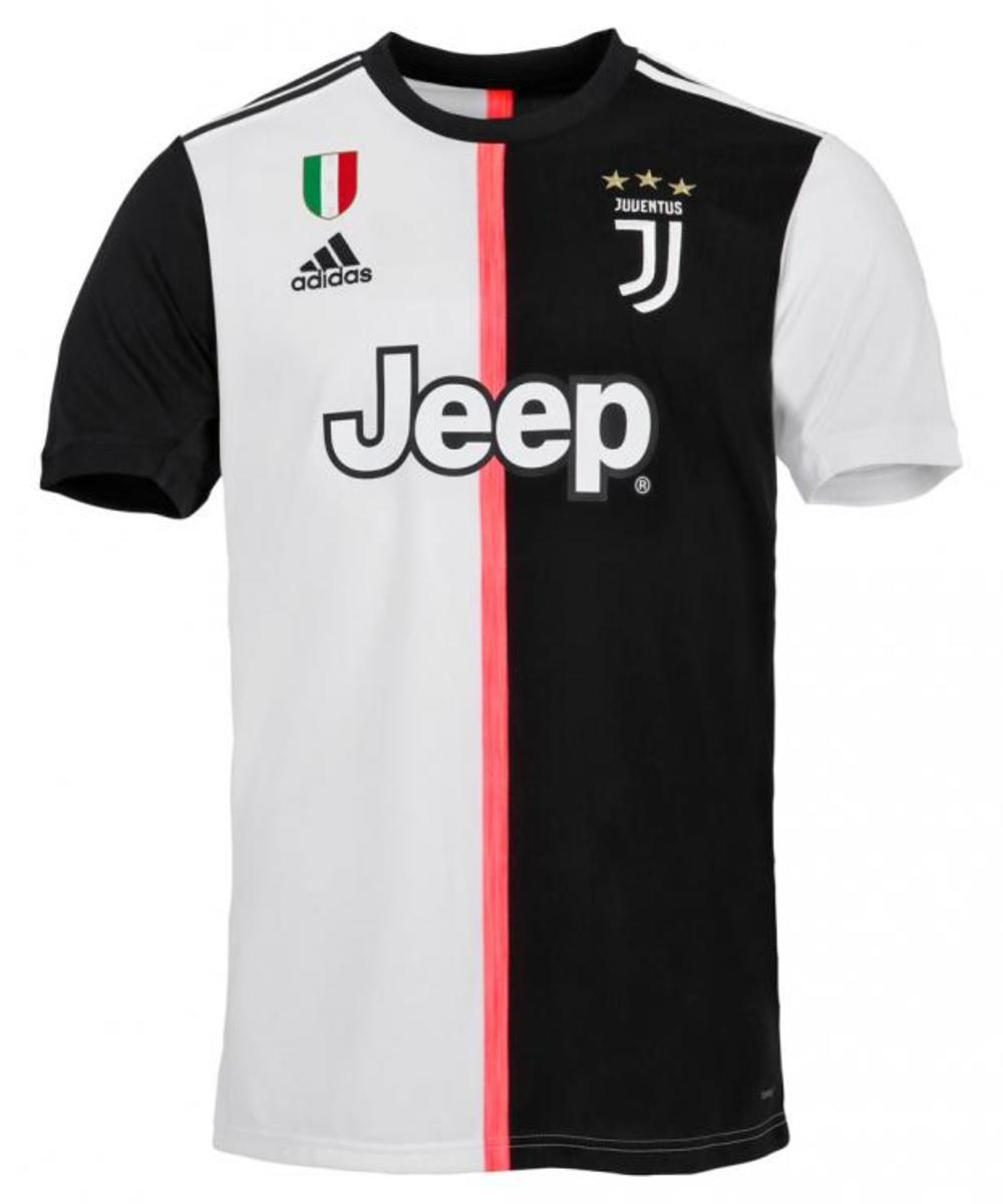 Juventus first team shirt without number and name